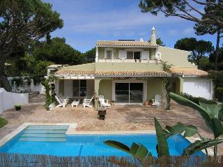 4 Bedroom Villa  walking distance to the beach - Quinta do Lago vacation rentals