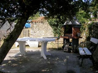 Typical french cottage - heart of touristic aera - Pont l'Abbe d'Arnoult vacation rentals