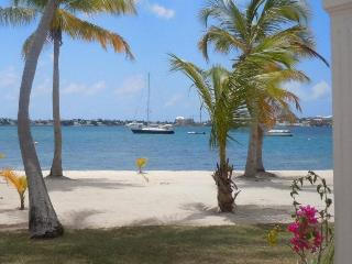 BlueDream, breathtaking view, opening rates ! - Orient Bay vacation rentals
