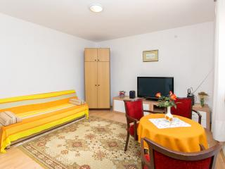 Holiday flat Marija near to Dubrovnik (6+2) - Brsecine vacation rentals
