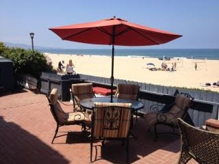 HISTORIC BEACH FRONT CHARMER- Vacation Dream! - Manhattan Beach vacation rentals