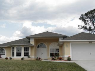 LUXURY SOUTHWEST FLORIDA GOLF COURSE HOME! - Lehigh Acres vacation rentals
