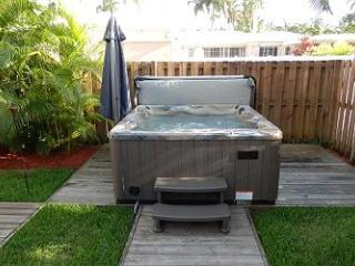 Tyler Tiki Paradise 4/2 sleeps 12 Jacuzzi Tiki 1354 - Florida South Atlantic Coast vacation rentals