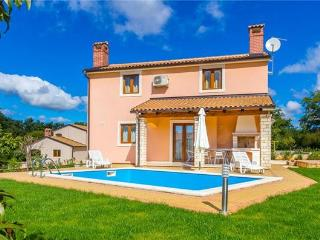 Holiday house for 8 persons, with swimming pool , in Central Istria - Kringa vacation rentals