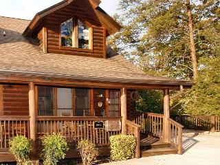 Pigeon Forge townhouse near the Golf Course Lucky Logs 283 - Sevierville vacation rentals