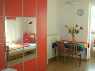 The guestroom - Düsseldorf vacation rentals