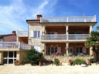 Attractive apartment for 2 persons near the beach in Medulin - Medulin vacation rentals