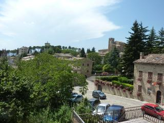 Large  Apartment in Historic Town Centre - Marche vacation rentals
