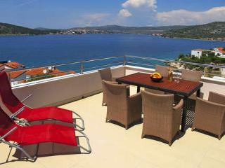 Villa Mona - Roz 134 - Northern Dalmatia vacation rentals