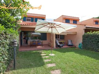 Bungalow by the beach - Rome vacation rentals