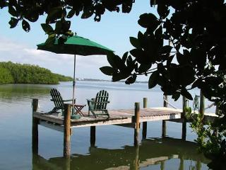 Gasparilla Villa-Private Dock, 6 Kayaks, Internet - Little Gasparilla Island vacation rentals