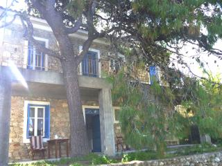 Stonehouse near the sea in Pelopones (Wi-Fi) - Xylokastro vacation rentals