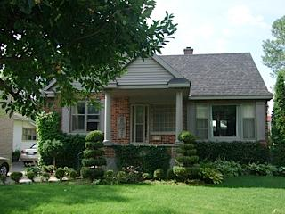 Festival Park Cottage...just across the street from the Stratford Festival Theatre and Queen's Park - Festival Park Cottage - Stratford - rentals