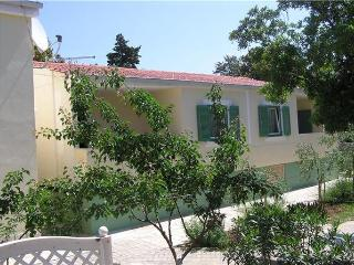 Apartment for 3 persons near the beach in Zadar - Petrcane vacation rentals
