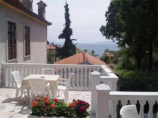 Apartment for 2 persons near the beach in Opatija - Opatija vacation rentals