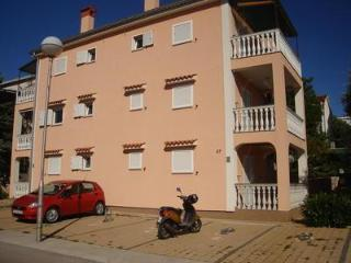 Apartment for 4 persons near the beach in Krk - Island Krk vacation rentals