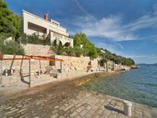 Apartment for 4 persons near the beach in Dubrovnik - Slano vacation rentals