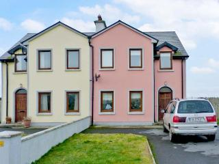 19 DUN NA MARA near coast, family-friendly in Doonbeg Ref 22919 - Doonbeg vacation rentals