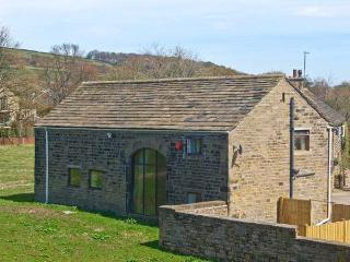 BULLACE BARN, detached stone-built cottage, family and pet friendly, in Millhouse Green, near Holmfirth, Ref 23330 - West Yorkshire vacation rentals