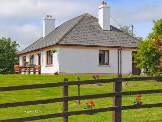 KILLORGLIN COTTAGE, great family house, open fire, mountain views, in Killorglin, Ref 23760 - County Kerry vacation rentals