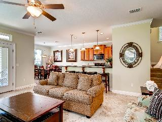 Beach Bliss - Book Online!  4 Bdrm/3 Ba in Villages of Crystal Beach! Buy 3 Nights, get 1 Free! Low Fall Rates! Book Now!! - Destin vacation rentals