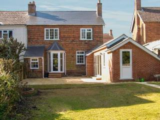 GORDON'S HOUSE, luxury, pet-friendly, enclosed garden, in Andover, Ref 14325 - Hampshire vacation rentals