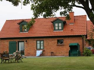 Vacation Home in Ummanz - 861 sqft, idyllic, quiet, comfortable (# 3794) - Mecklenburg-West Pomerania vacation rentals
