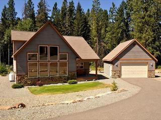 Fantastic New Cabin in Roslyn Ridge!  *Summer Specials* 3BR/2BA, Priv Hot Tub - Cle Elum vacation rentals