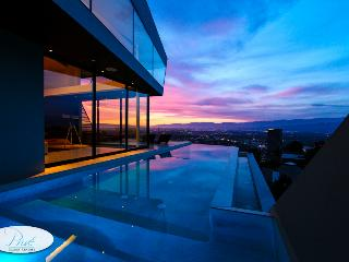 Modern Mulholland Celebrity Estate - Los Angeles vacation rentals