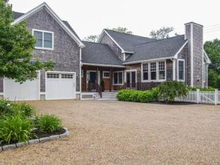 VINA DEL MAR: STYLISH IN-TOWN LIVING - EDG MHOE-20 - Edgartown vacation rentals