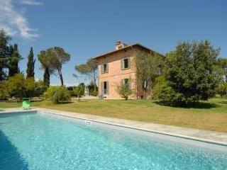 Beautiful Tuscany 5 bedroom villa with pool - Castellina In Chianti vacation rentals