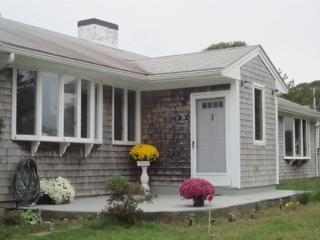 Front - 39 Burt's Way, Hines Point Vineyard Haven - Vineyard Haven - rentals