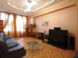 VIP Jacuzzi 3 Bed apartment, in kiev center - Kiev vacation rentals
