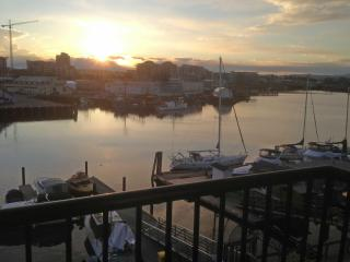 Upscale Harbour Front Condo with Amazing Views - Victoria vacation rentals