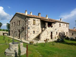 Girasole cottage in Val d'Orcia - Siena - Tuscany - Radicofani vacation rentals