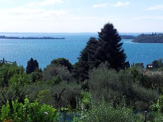 B&BLago Blu...True relaxation overlooking the lake - Lake Garda vacation rentals