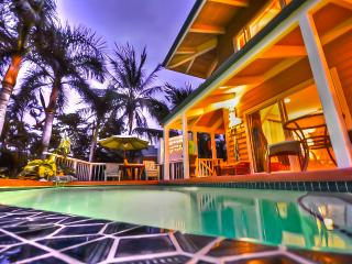 Kona Beach Villa + Cottage Sleeps from 2 to 15! - Kailua-Kona vacation rentals