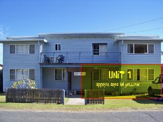Beachcombers Unit 1 - Self catering - Linen incl. - Wooli vacation rentals