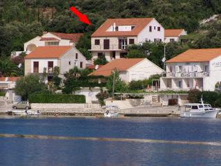 Apartment Cebalo Korcula - beachfront and quiet - Island Korcula vacation rentals