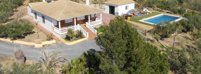 PANORAMIC SIGHT. PRIVATE FENCED AREA - Cortijo El Gallo - Periana - rentals