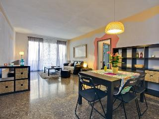 Colourful & Central Apartment - WIFI - Barcelona vacation rentals