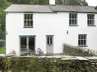 Oakbank Cottage with walled garden - Luxury riverside Lake District cottage - Cumbria - rentals