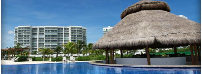Brandnew Beachfront Condo in Cancun - Image 1 - Cancun - rentals