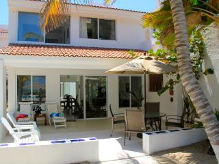 Villa Xanadu, beachfront in Uaymtiun w/pool - Progreso vacation rentals