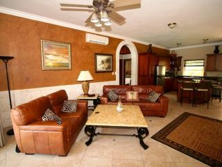 OCEAN DREAM LUXURY 2bdr 2bth 40mt from the beach - Cabarete vacation rentals