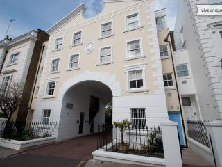 Prime Notting Hill location, 4 bed mews house with terrace - London vacation rentals