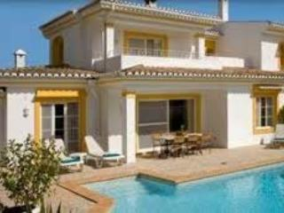 3 bed villa with 3 bathrooms and swimming pool - Image 1 - Quinta do Lago - rentals