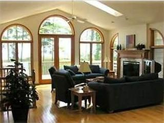 Great room - The Beach House ! Perfect for Big Families/Groups! - Two Rivers - rentals
