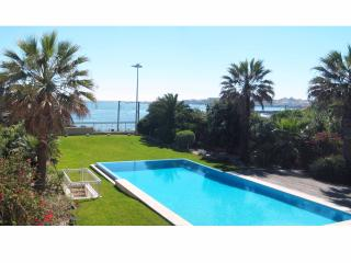 SPECTACULAR SEA FRONT 3 BED APT - Cascais vacation rentals