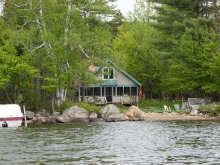 Chalet du Lac on Lake Pleasant - Image 1 - Speculator - rentals
